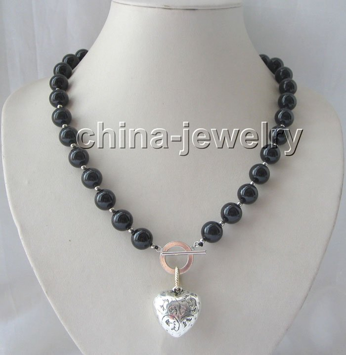 "Gorgeous 21"" 12 mm black round onyx necklace"